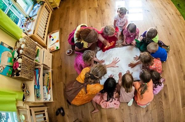 Rybička - skupinka dětí