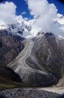 Celkový pohled na zkoumaný ledovec. Foto autoři článku.